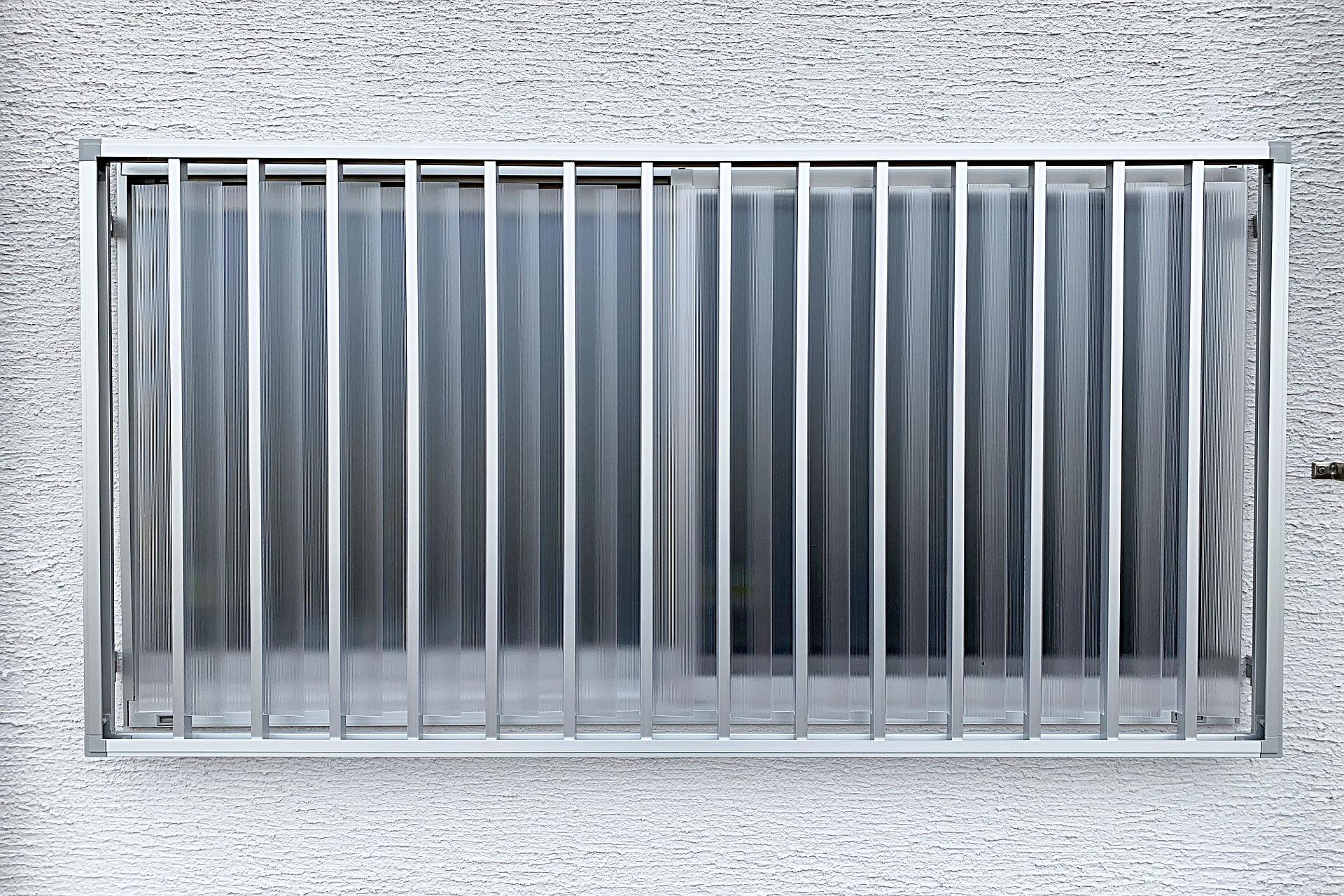 窓 目隠し 場 風呂